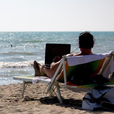 Is Unplugging From Technology a Good Idea While On Vacation?